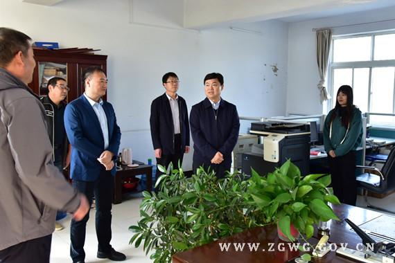 刘文祥到自然资源和规划局等单位开展专题调研1.jpg